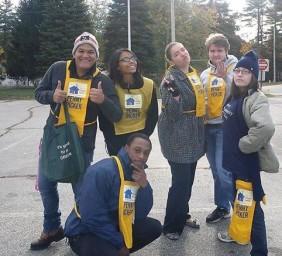 Front Door Agency High Five Give Five Volunteers