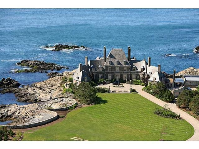 Mansion in Newport